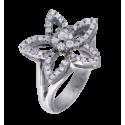 Anillo modelo flor rosetón central en oro blanco con diamantes blancos talla brillante