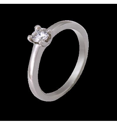 Solitario en oro blanco con diamante central talla brillante, brazo cuchilla media caña